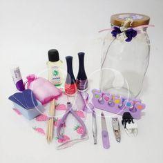 """Se acerca el día de la mujer y este Kit """"Spa de uñas"""" es un regalo perfecto para las que les encanta estar siempre lindas!  Haz tu pedido y regala alegría WooHoo!  #Nails #Belleza #Spa #Alegria #Mujer #Ideas #Diseño #WooHoo"""