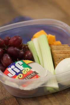 Healthy, quick, inexpensive and easy to throw together, these protein snack boxes will help keep you and your health on track! #Healthy #Snacks #Onthego