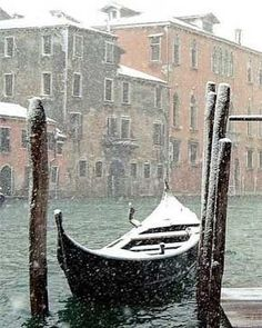 """Fay Hart (@theladyofthegoldrings) sur Instagram: """"A winter s morning in Venice#romantic #beautiful #happy #details…"""""""