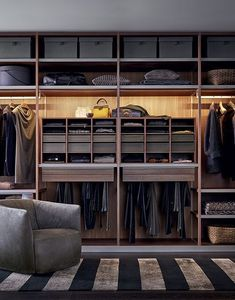 Smart Luxury Walk In Closet Design That Will Change Your Wardrobe Dressing Room Closet, Dressing Room Design, Dressing Area, Walking Closet, Walk In Wardrobe, Wardrobe Design, Wardrobe Ideas, Wooden Wardrobe, Closet Ideas