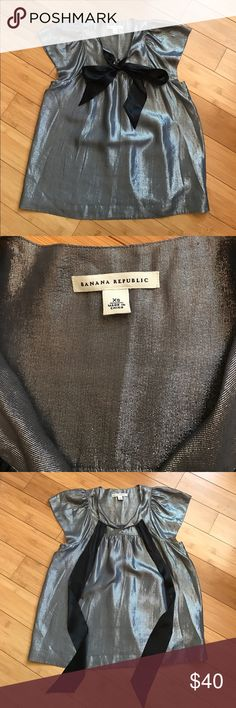 Metallic Tie Front Top Size XS. Slightly loose could fit a Small. Lined. EUC. One of the most gorgeous tops!!! Banana Republic Tops Blouses