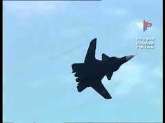 """Су-47  """"Беркут"""" первый композитный истребитель с обратной стреловидность..."""