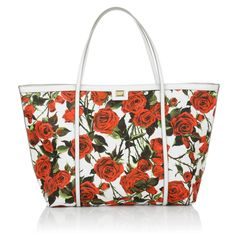 Love at first sight: this beautiful Dolce&Gabbana shopper with red roses is fabulously beautiful. Perfect for a romantic walk on the beach or a shopping tour through the streets of Italy. Fashionette.de