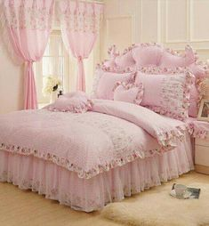 Teen Girl Bedrooms, down-to-earth idea reference 2778540277 to combine - From sweet to really captivating teen girl room strategies. Vintage Shabby Chic, Shabby Chic Style, Shabby Chic Decor, Shabby Chic Bedrooms, Shabby Chic Furniture, Daybed Sets, Girl Bedroom Designs, Pink Room, Teen Girl Bedrooms