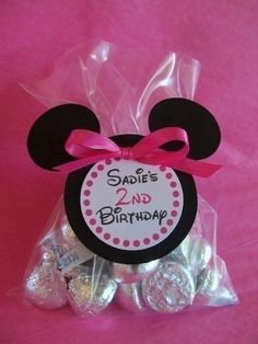 Minnie Mouse Hersey Kiss Party Favors - Stick personalized labels on the bottom.