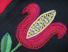 The red beauty Jacobean Embroidery, Wool Embroidery, Indian Embroidery, Wool Applique, Hand Embroidery Designs, Cross Stitch Embroidery, Embroidery Patterns, Scandinavian Embroidery, Wool Quilts