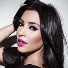 A little embarrassed that I am pinning a Kardashian... but I love the hot pink lip.  Kim Kardashian: Isnt She Pretty In Pink?