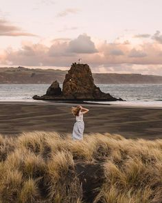 ABIGAIL HANNAH || NZ Travel (@abigailhannnah) • Instagram photos and videos New Zealand Travel Guide, Auckland New Zealand, Monument Valley, Places To Go, Photo And Video, Instagram