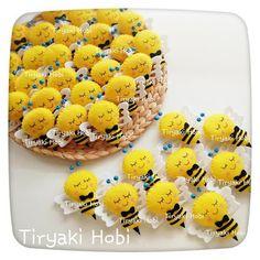 ♥ Tiryaki Hobi ♥: Keçe bebek şekeri / doğumgünü magneti - Arı (Ahmet Yavuz) ---------- felt bees