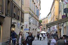 """Piazza Mazzini - """"Modena, Itália – roteiro de um dia especial"""" by @Alexandra Aranovich"""