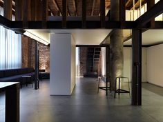 Loft jo in Milan - Federico Delrosso Architects Living Room Designs, Living Spaces, Interior Architecture, Interior Design, Toilet Design, Wood Glass, Italian Style, Minimalism, Brick