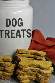 Oatmeal Pumpkin Homemade Dog Biscuits are easy to make crunchy treats that will have your best friend barking for more! Filled with wholesome ingredients like oat flour and pure pumpkin puree, you can feel good about giving them to your dog. Dog Biscuit Recipes, Dog Treat Recipes, Healthy Dog Treats, Dog Food Recipes, Doggie Treats, Homemade Dog Cookies, Homemade Dog Food, Food For Digestion, Pumpkin Dog Treats