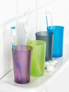 Toothpaste, brush, warm water flushes... Everybody to the tumbler rushes. This is why the Koziol brand, well known for its high quality plastic products, brings you these simple, colourful, semi-transparent Rio tumblers which are perfect for any bathroom. Check it on FormAdore.com