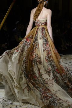 """the-fashion-dish: """" Zuhair Murad Spring 2018 Couture Details """" Couture Fashion, Runway Fashion, High Fashion, Fashion Outfits, Fashion Pics, Beautiful Gowns, Beautiful Outfits, Jacquemus, Spring Couture"""
