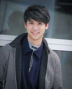 European Men, Thai Drama, Handsome Boys, Cute Boys, My Eyes, Actors & Actresses, Thailand, Crushes, Singing
