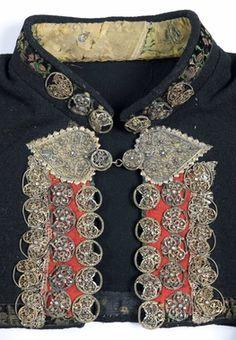 Folk Fashion, Ethnic Fashion, Womens Fashion, Folk Clothing, Historical Clothing, Folk Costume, Costumes, Finger Weaving, Bridal Crown