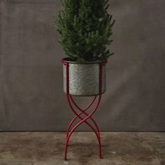 Round Iron Planter With Stand