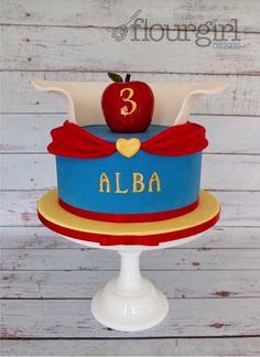 Snow White Birthday Cake. Snow White cake. Poisoned Apple Cake.