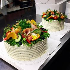 I want to throw a sandwich party! Swedish Dishes, Swedish Recipes, Sandwhich Cake, Salad Cake, Fig Cake, Party Sandwiches, Scandinavian Food, Food Garnishes, Le Diner
