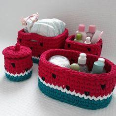"""🍓 Rahatliqla əldə ve mashinda yuyulur, yuyulma prosesi """"HIGHLIGHTS"""" bolmesinde gosterilib. Crochet Box, Crochet World, Crochet Purses, Love Crochet, Crochet Crafts, Crochet Yarn, Crochet Baskets, Free Printable Alphabet Letters, Baby Kit"""
