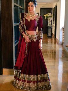 Sophie Choudry looking beautiful in lengha.