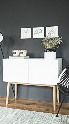 Kommode High on Wood in Weiß Hochglanz The small dresser by Zuiver promises storage space and style. With its clean look in white and natural colors, the sideboard guarantees your living room guaranteed! Grey Living Room With Color, Living Room Red, Living Room Accents, Living Room Decor, Small Furniture, Home Furniture, Cadeau Grand Parents, Living Room Ideas 2019, White Chest Of Drawers