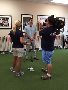 .@codyhalegolf explaining the SeeMore putter and benefits to @DawnDavenportTN today - SeeMore HQ #tbiig #zEffect