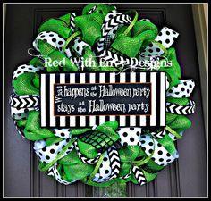 Halloween Wreath Deco Mesh Wreath Mesh by RedWithEnvyDesigns Halloween Witch Wreath, Halloween Mesh Wreaths, Halloween Decorations, Halloween Parties, Halloween Crafts, Halloween Ideas, Fall Mesh Wreaths, Deco Mesh Wreaths, Black Wreath