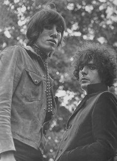Roger Waters y Syd Barret, los genios fundadores de Pink Floyd.