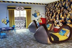 Minion room at Loews Portofino Bay Hotel at Universal in Orlando, FL - Home Decor For Kids And Interior Design Ideas for Children, Toddler Room Ideas For Boys And Girls Minion Bedroom, Kids Bedroom, Bedroom Decor, Bedroom Ideas, Kids Rooms, Minion Room Decor, Bedroom Rugs, Childrens Bedroom, Trendy Bedroom