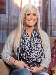 Meet Chelsea Houska  Chelsea is a fun-loving young mom, with her adorable daughter Aubree always at her side. Chelsea still has a tumultuous, on-and-off relationship with Aubree's father, Adam, and struggles to not let him control her emotions.  http://myteenmom2updates.blogspot.com/