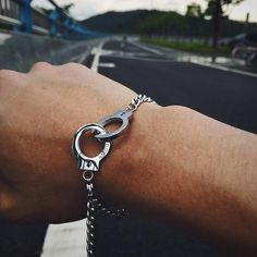 Handcuffs Bracelet - Made of alloy - Charming and attractive looking - Measures: adjustable 12cm - 22cm - Great gift for your and your friends - Brand New with box