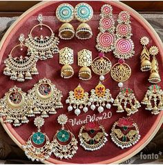 Best Ideas for jewerly earrings classy beautiful Antique Jewellery Designs, Fancy Jewellery, Indian Jewellery Design, Stylish Jewelry, Antique Jewelry, Indian Jewelry Earrings, Indian Jewelry Sets, Jewelry Design Earrings, Gold Earrings Designs