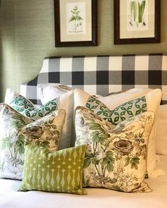 maggiegriffindesign A super fun guest room ready to host a weekend full of company! I'm kinda uhhhb-sessed this pillow combo. and that custom headboard in a buffalo check has me all like 🤗🤗🤗🤗! Dream Rooms, Dream Bedroom, Home Bedroom, Bedroom Decor, Master Bedroom, Guest Bed, Guest Room, Maggie Griffin, Custom Headboard