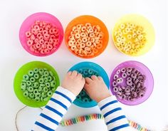 cereal necklace party craft {Armelle Blog}