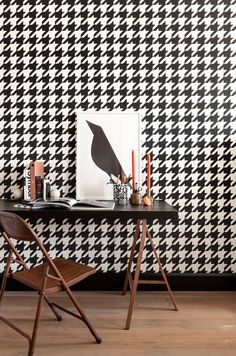 zwart wit Behang Pied de Poule black white Wallpaper dogtooths collection Art of Living - BN Wallcoverings Decor, Art Of Living, Pattern Wallpaper, Back Wallpaper, Geometric Wallpaper, Office Wallpaper, Black And White Wallpaper, Hallway Wallpaper, Wall Coverings