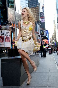 Ophelia Blaimer - Couture - Dirndl - New York Happy Hour - Yellow Almond