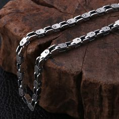 Men's Sterling Silver Box Link Chain - Jewelry1000.com Silver Chain For Men, Mens Silver Jewelry, Mens Gold Bracelets, Chains For Men, Silver Man, Cuff Jewelry, Sterling Silver Jewelry, Fine Jewelry, Silver Chains