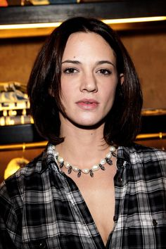 Asia Argento Medium Straight Cut - Asia Argento looked fresh with her medium length hair down at the opening day of Guru Flagship store.