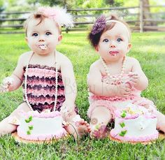 I love that these babies each have their own cake.  So will my twins.