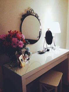 MALM IKEAS dressing table