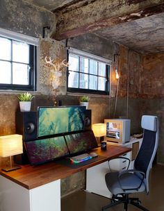 Ultrawides in an Old Cotton Mill : battlestations