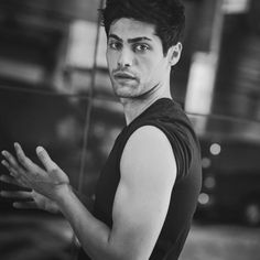 Matthew Daddario Actor ShadowHunters Alec Lightwood Black and White photo