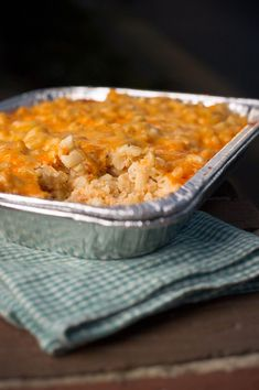 Have you ever made mac and cheese in the smoker? With our Four Cheese Smoked Mac 'n' Cheese recipe, you can get the taste whether or not you have one. Smoked Mac N Cheese Recipe, Smoked Gouda Cheese, Cheese Recipes, Making Mac And Cheese, Smoking Recipes, Smoking Meat, Roasting Pan, New Flavour, How To Cook Pasta