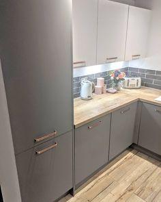 Open Plan Kitchen Living Room, Kitchen Room Design, Home Decor Kitchen, Kitchen Layout, Interior Design Kitchen, Home Kitchens, Rose Gold Kitchen, White Marble Kitchen, Inspiration