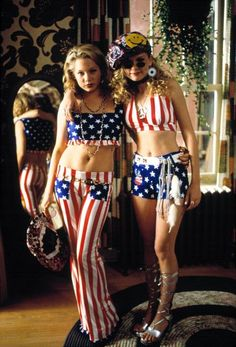 Kirsten Dunst + Michelle Williams in Dick 1999