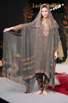 Omani Traditional Dress on the Runway
