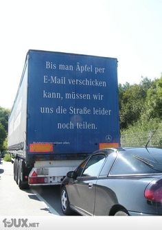 Bis man Äpfel per E-Mail verschicken kann, müssen wir uns die Straße leider noch teilen.