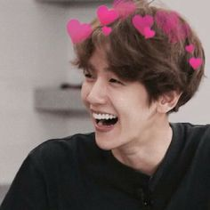 Image discovered by rita,,. Find images and videos about kpop, exo and baekhyun on We Heart It - the app to get lost in what you love. Baekhyun, Exo Ot12, Chanbaek, K Pop, Kim Minseok, Exo Memes, Exo K, Meme Faces, Laughing So Hard