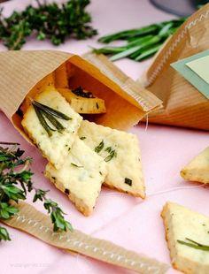 Geschenke aus der Küche: Parmesan Kräuter Cracker   Thermomix Rezept   waseigenes.com